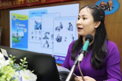 Cô Lý Khánh Hoa - giáo viên Trường tiểu học Hiệp Tân (Q.Tân Phú, TP.HCM) - tại hội thảo - Ảnh: N.Hùng