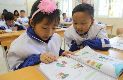 Giờ học môn tiếng Việt tại lớp 1A1, Trường Phổ thông dân tộc bán trú Tiểu học - THCS Đồng Lâm 2 . Ảnh: Dự án RGEP